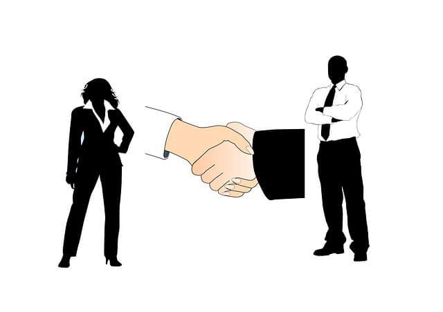 доверенность на сдачу квартиры в аренду Рукопожатие, мужчина и женщина