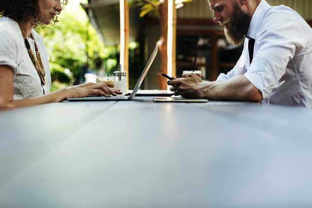 Соглашение об уплате алиментов путем предоставления имущества, мужчина и женщина друг на против друга заключают соглашение