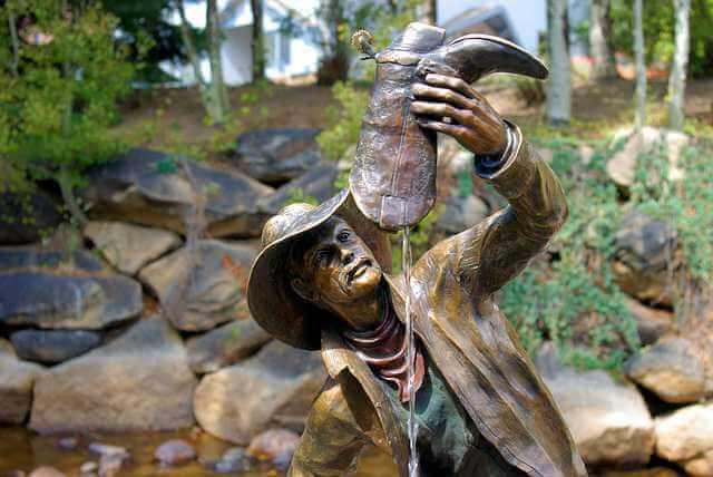 платит ли алименты отец лишенный родительских прав , фантан мужик вылевает воду из сапога