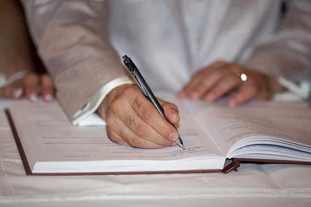 предварительный договор купли-продажи квартиры,подписывает договор