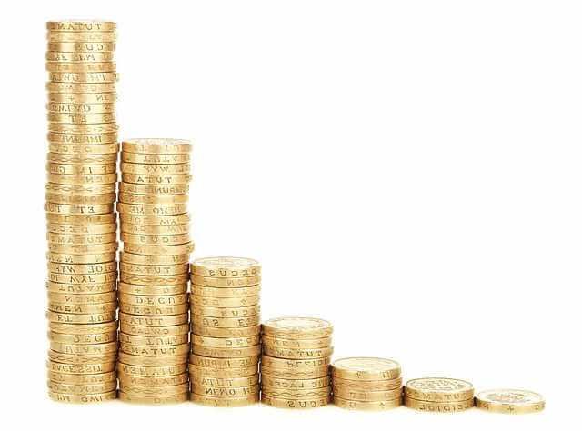 алименты 70 процентов в каких случаях ,монеты сложенные стопкой