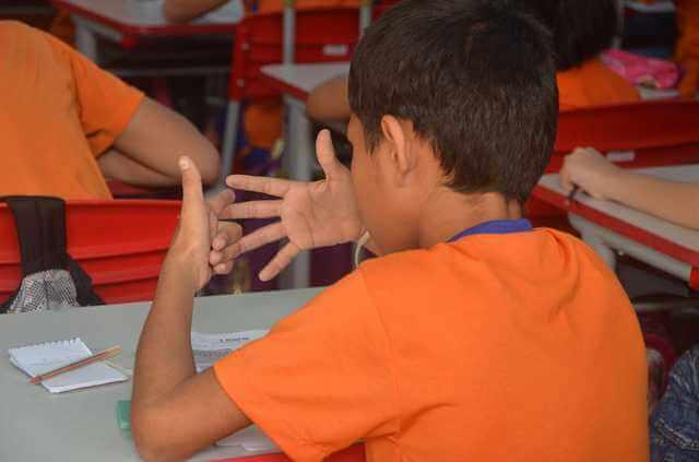 Размер алиментов на двоих детей, ребенок считает по пальцам