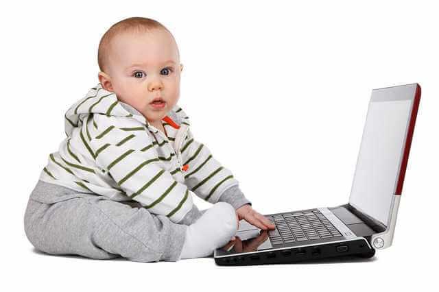 какие документы нужны для прописки в квартиру, ребенок за ноутбуком