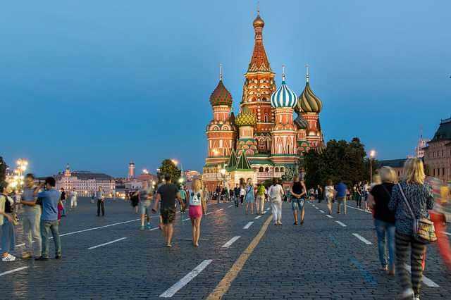 registraciya-inostrancev-v-moskve,москва красная площадь с народом