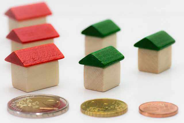 Копить или брать ипотеку,домики и деньги