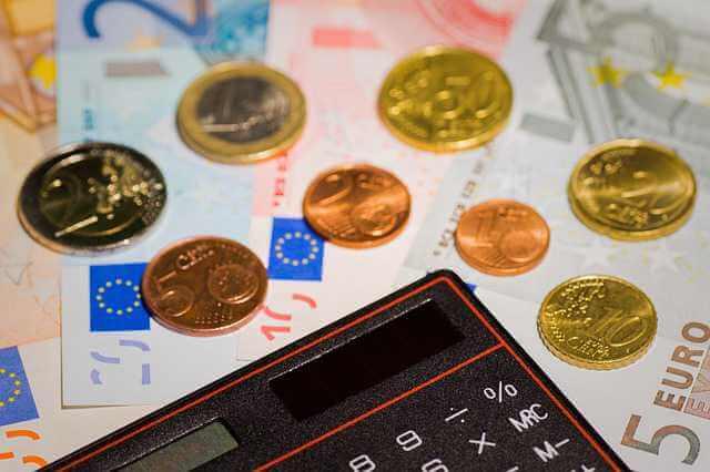 Минимальная сумма ипотеки в Сбербанке, калькулятор , и деньги рассыпанные вокруг