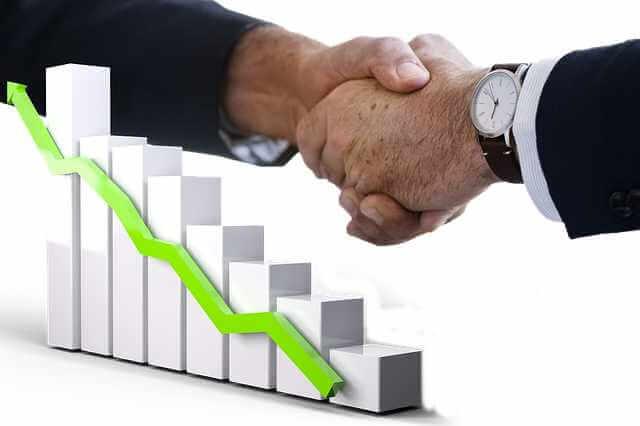 Проблемы ипотечного кредитования, рукопожатие и стрелка в верх