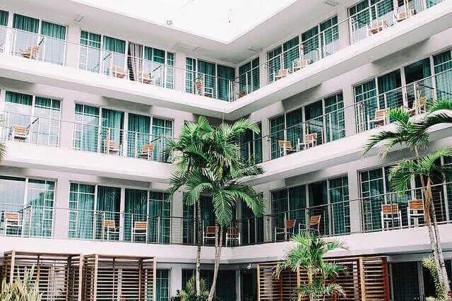 Ипотека на апартаменты в Сбербанке, красивый атель апартаменты с пальмами