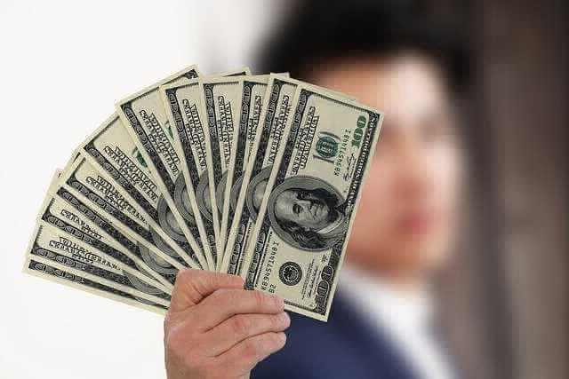 Сбербанк ипотека для зарплатных клиентов, веер из денег