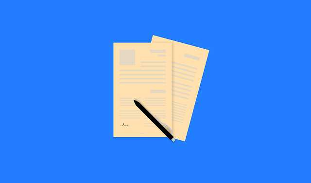 Заявка на ипотеку ВТБ 24, два листка и ручка лежит на столе