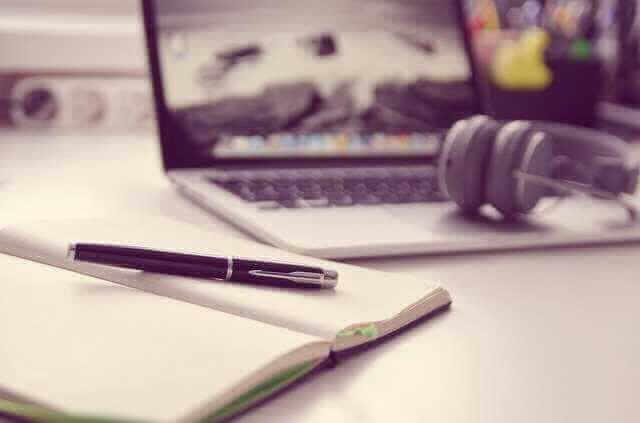 Договор ипотеки Россельхозбанк, блокнот, ручка, компьютер