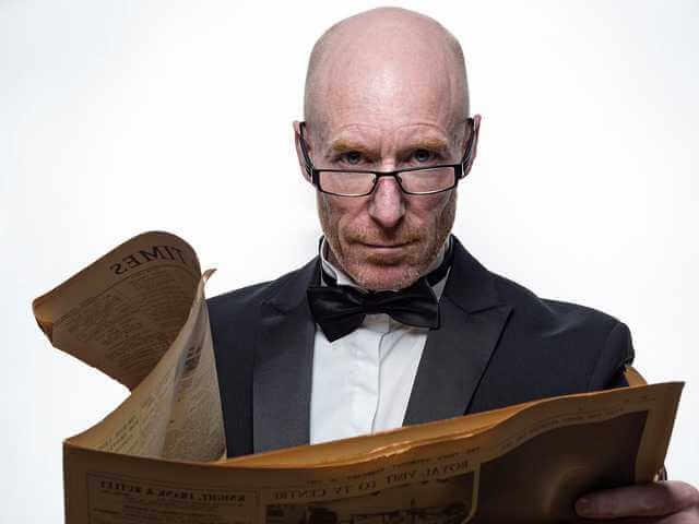 как увольнять сотрудников при закрытии ИП,мужик читает газету
