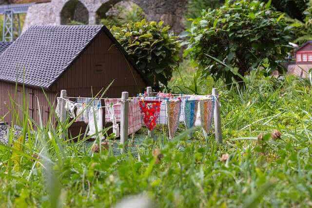 Рефинансирование ипотеки в Газпромбанке, домик и развешано белье