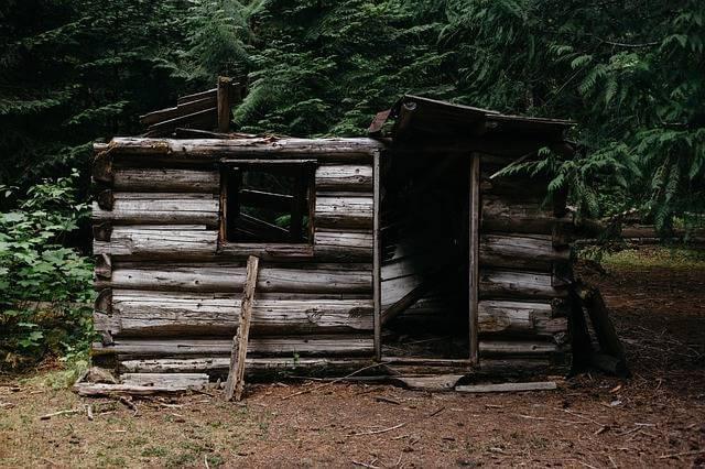 Материнский капитал на улучшение жилищных условий, старый разваленный дом