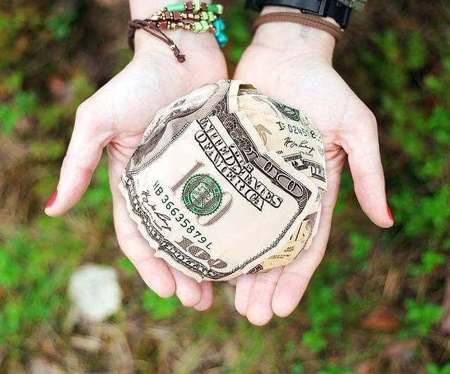 Субсидия на улучшение жилищных условий,деньги в руках